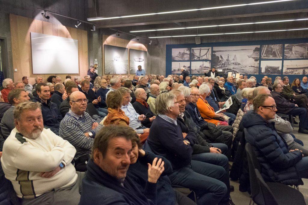 STOR INTERESSE: Interessen var stor for å høre Jan Wanggaard fortelle om «Maud»-prosjektet. Over 200 var til stede på Oslofjordmuseet.