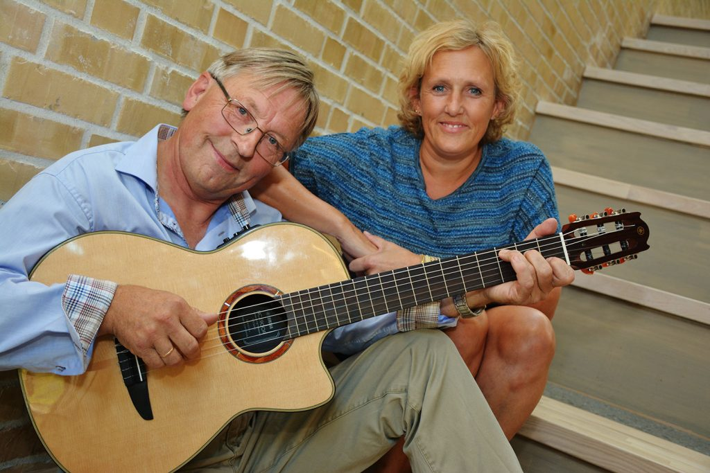Mari Amundsen og Werner Johannessen fremfører vakre tone i Oslofjordmuseet. [Foto Stein Styve].